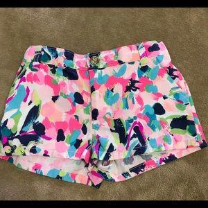 Girls Lilly Pulitzer shorts. (7)